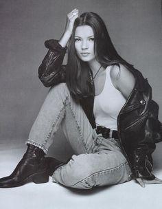 90s fashion- gotta get me some boots like those