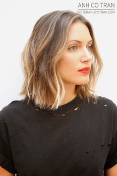 Le Fashion Blog Haircut Inspiration The Perfect Wavy Bob Via Mister Anh Co Tran Front Texturized Beach Waves Highlights Balayage Bright Beau...