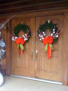 Christmas Front Door Wreaths Christmas Front Doors, Christmas Door, Wreaths For Front Door, Door Wreaths, Christmas Wreaths, Diy Projects, Art, Art Background, Kunst