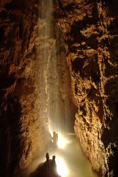 The #caves of Mira D`Aire are one of the 7 Natural #Wonders of Portugal: an authentic underground cathedral! A Must See! http://www.hoteldg.com/en/experience/grutas-de-mira-daire