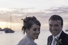 Sposarsi all'isola d'Elba - Getting married in Elba Island - Tramonto del #sole... una tavolozza di colori che va dal rosa al rosso fuoco. Una coppia felice che ama l'isola d'Elba e qui ha organizzato la propria festa di matrimonio. #tramonto #sunset #party #wedding #sea #sky #beach #island #elbaisland #weddinginspiration #weddingideas #creativeweddings #elegantweddings #elegantstyle #elbaweddingstyle #weddingelbastyle #tuscany #matrimoniosullaspiaggia #matrimoniosulmare #ricevimentisulmare