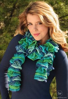 Knit Scarf pattern with knitting loom/pin by www.detaildesigngroup.com