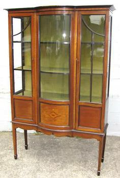 Antiques & Collectibles -- china cabinet