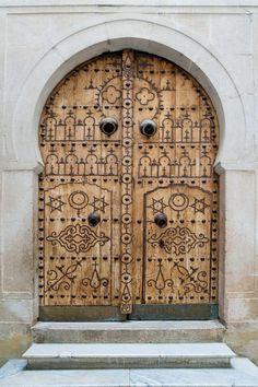 //flic.kr/p/rvJruE | Bardo Museum | en.wikipedia.org/wiki /Bardo_National_Museum & Yellow Door. Tunis Medina Tunisia. | D O O R S: CREATIVE OPENINGS ...