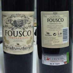 Un vino tinto, joven, denominación de origen La Mancha. Tempranillo 2010. De Bodegas Alcardet. Villanueva de Alcardete (Toledo)