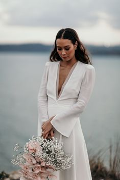 36 Simple Kinds of Wedding Dresses Give You Unique Experience wedding dresses, simple kinds of wedding dresses unique wedding dresses 36 Simple Kinds of Wedding Dresses Give You Unique Experience - HomeLoveIn Boho Wedding, Wedding Gowns, Dream Wedding, Simple Elegant Wedding Dress, Winter Dresses, Bridal Dresses, Wedding Styles, Marie, Wedding Inspiration