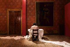 Shilpa Gupta serie Untitled, 2014-15 ©Mark Blower