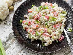 """Veganer """"Eiersalat"""" aus Blumenkohl mit Cashew-Dressing"""