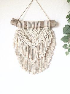 小さめ流木マクラメ編みタペストリー|タペストリー・壁掛け|kobachi|ハンドメイド通販・販売のCreema