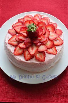 Torta de merengue y frutilla