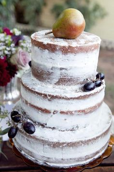 How To Bake Your Own Wedding Cake | Bridal Musings Wedding Blog 5