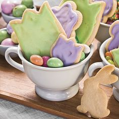 Try these Easter cookies with a simple five-ingredient dough that can be made up to three days ahead and stored in the fridge. Break out the cookie cutters and let the children create flowers, bunnies, and eggs. The decorated cookies also double as an attractive table decoration.