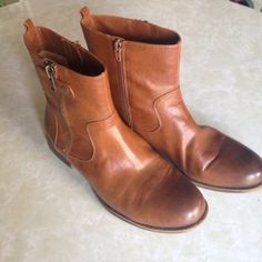 Naturalizer ankle boots Suede insole. 8M Jacklyn style. In good condition. Light wear. Naturalizer Shoes Ankle Boots & Booties