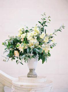 Photography: Jen Huang Photography - jenhuangphoto.com  Read More: http://www.stylemepretty.com/2015/05/20/romantic-elegant-new-york-garden-wedding/