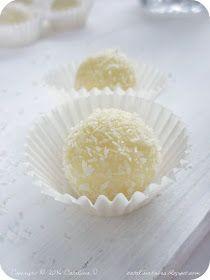 Catalina pece: Kokosové kuličky s mandlemi