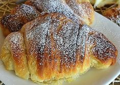 croissants browsed homemade recipe step by step Croissants, Pan Dulce, Recipe Steps, Breakfast Time, Hot Dog Buns, Italian Recipes, Nutella, Catering, Food And Drink