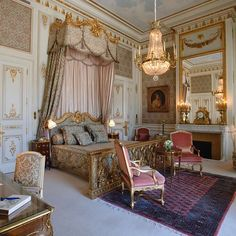 After 4 years of renovations, the Ritz Paris *finally* reopened it's doors last…