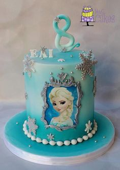 It is now obvious that both of us got what we wished for :) Inside it's a chocolate layer cake and a lemon cake, both with vanilla buttercream and raspberry. Elsa Birthday Cake, Frozen Themed Birthday Party, Birthday Parties, Frozen Theme Cake, Disney Frozen Cake, Library Cake, Pastel Frozen, Olaf Cake, Bolo Minnie
