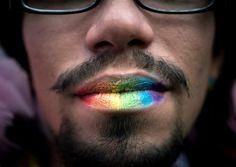 Les milieux gays parisiens seraient davantage exposés au risque d'attraper le virus du sida