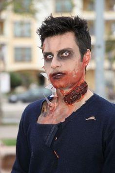 Alghero: la citta invasa dagli zombie  (Zombies in Algero, Italy)