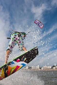 kite  photo by http://photo.martinwebcom.com/