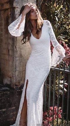 7cb4ec237a74 60 Vestidos de noiva com decotes bem cavados