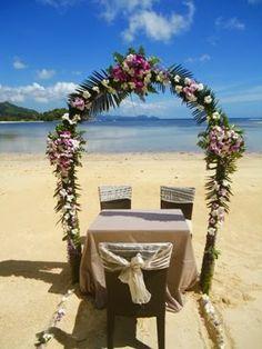 Beach wedding at Constance Ephelia Resort Seychelles
