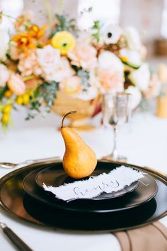 warmerThis little inspo right here? Is everything we love about Autumn days. We're talking raw industrial meets rustic Fall wedding ideas with warmer hues. Food Wedding Favors, Wedding Plates, Rustic Wedding Favors, Wedding Reception Decorations, Chic Wedding, Wedding Ideas, Wedding Inspiration, Fall Wedding Place Settings, Yellow Wedding Colors