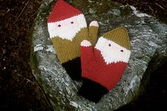 From the back they might just seem like stripy mittens, but peek at your palms and you'll find two little gnomes looking back at you! Available in four sizes, these gnomes will keep everyone in your family warm and entertained.