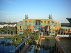 Disney World Resorts - Valuable advice to help you select the right Walt Disney World hotel category