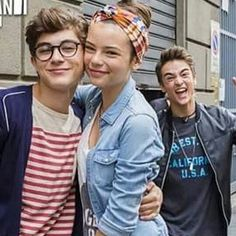 Leo in the back 😂😂 Disney Shows, Disney Channel, Persona, Countries, Leo, Artists, Friends, Instagram Posts, Youtube