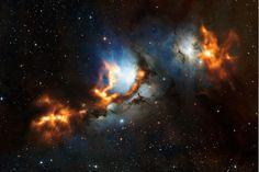 São Paulo - O Observatório Europeu do Sul (ESO) divulgou uma imagem que mostra a região em volta da nebulosa de reflexão Messier 78, ao norte do Cinturão de Orion. Ela mostra a poeira cósmica lançada na formação estelar. Could it be a Mass Relay? :O