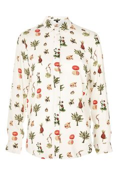 If youre looking to add some fun to your work wardrobe dont miss these nine printed and embroidered novelty shirts. London Outfit, Topshop Tops, Tomboy Stil, Chic Outfits, Fashion Outfits, Tomboy Fashion, Work Fashion, Fashion Art, Novelty Shirts