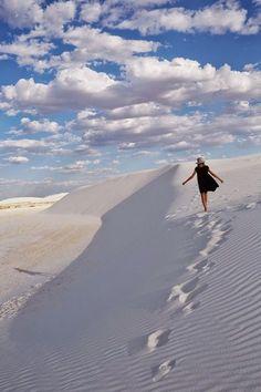 White Sands Desert Dunes in New Mexico / travel Places Around The World, Travel Around The World, Around The Worlds, Cool Places To Visit, Places To Travel, Travel Destinations, Desert Dunes, White Sands New Mexico, Travel New Mexico