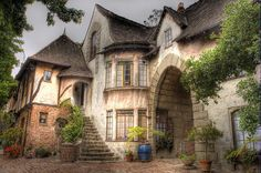 Pictures of French Cottage Style Homes French Cottage Style, French Style Homes, Cottage Style Homes, Cottage House, Storybook Homes, Storybook Cottage, Cute Cottage, Brown House, Building A New Home
