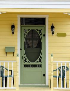 ideas for wooden screen design entrance Vintage Screen Doors, Wood Screen Door, Wooden Screen, Wood Doors, Yellow Houses, Front Door Colors, The Doors, Front Screen Doors, Front Entry