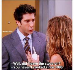 Ross and Rachel locked out of their apartment while the baby is inside