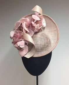 Designer Clothes, Shoes & Bags for Women Sinamay Hats, Millinery Hats, Fascinator Hats, Fascinators, Headpieces, Fancy Hats, Cool Hats, Crazy Hats, Wedding Hats