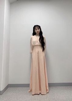 Korea Fashion, Kpop Fashion, Fashion Outfits, Womens Fashion, Cute Dresses, Beautiful Dresses, Luna Fashion, Pretty Asian, Celebrity Outfits