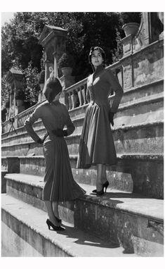 Models photographed in the Giardino di Boboli, Florence in July 1953. Photograph Achivio Foto Locchi Firenze