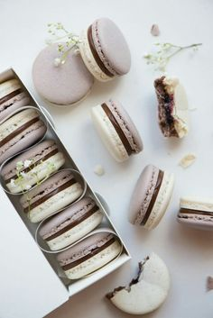 Delicious mocha macaroons are a great way to start weekend. #dessert #delicious #mocha #chocolate #lovefood #foodlover #foodblogger #macaroons #macarons #fabfashionfix #chocolate