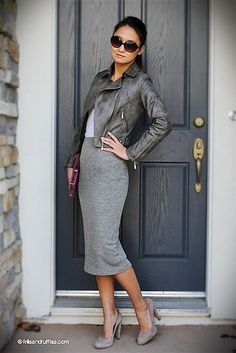 what to wear with a grey pencil skirt Looks Street Style, Looks Style, Style Me, Grey Style, Mode Chic, Mode Style, Mode Ab 50, Top Mode, Corporate Wear