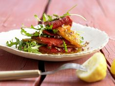 Mediterranes Paprikagemüse mit Rucola - smarter - Kalorien: 72 Kcal - Zeit: 25 Min. | eatsmarter.de