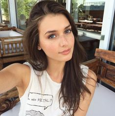 Jessica ClementsYou can find Brunette girl and more on our website. Jessica Clement, Real Beauty, Beauty Women, Hair Beauty, Cute Brunette, Brunette Girl, Brunette Models, Beautiful Eyes, Beautiful Women