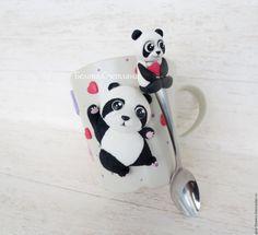 Купить Кружка Панда 2 - панда, чёрно-белый, панда на кружке, кружка с пандой Polymer Clay Animals, Polymer Clay Canes, Polymer Clay Miniatures, Fimo Clay, Polymer Clay Projects, Polymer Clay Jewelry, Clay Crafts, Coffee Cup Crafts, Cute Mug