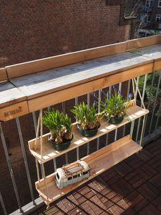 Douglas Balcony Bar + Hangtuin - Balkonbar - Marie-A - Kleiner Balkon Ideen Small Balcony Decor, Small Balcony Design, Tiny Balcony, Small Terrace, Balcony Ideas, Terrace Garden, Small Balconies, Apartment Balcony Decorating, Apartment Balconies