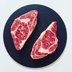 Dear friends, Carnivores for those of you who understands about meat, I had an incredible opportunity to buy Galician and Japanese Kobe beef steaks , both of them are kosher. Its a very rare pleasure. #gastronogram #TheArtOfPlating #foodporn #foodstagram