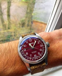 [Oris] Big Crown Pointer Date! Cool Watches, Rolex Watches, Watches For Men, James Bond Omega Watch, Seamaster Aqua Terra, Classy Men, Vintage Omega, Dame, Accessories
