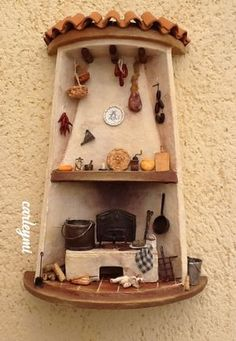 tejas decoradas Tile Crafts, Fun Crafts, Diy And Crafts, Pottery Houses, Ceramic Houses, Vitrine Miniature, Miniature Houses, Glow Table, Christmas Gingerbread House