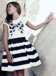 No es un secreto, nos gustaría volver a ser niñas para poder ponernos de nuevo vestidos como los de Monnalisa. Su colección Monnalisa Chic...